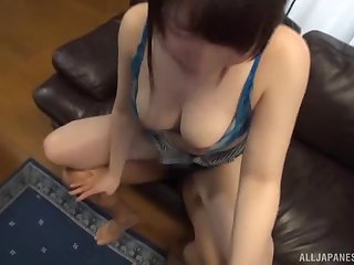 Sweet Asian babe opens her wings for a couple of men