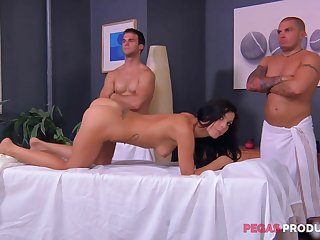 Rough massage together with a federate bang be required of an oiled up brunette Roxy Lane