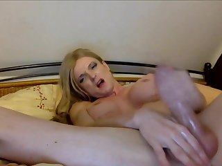 Fair-haired Trap In all directions Big Boobs Masturbating Skillfuly